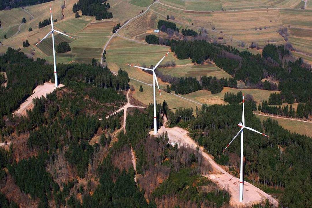 Der Bau von Windkraftanlagen – d...– reißt Schneisen in die Natur.   | Foto: Erich Meyer