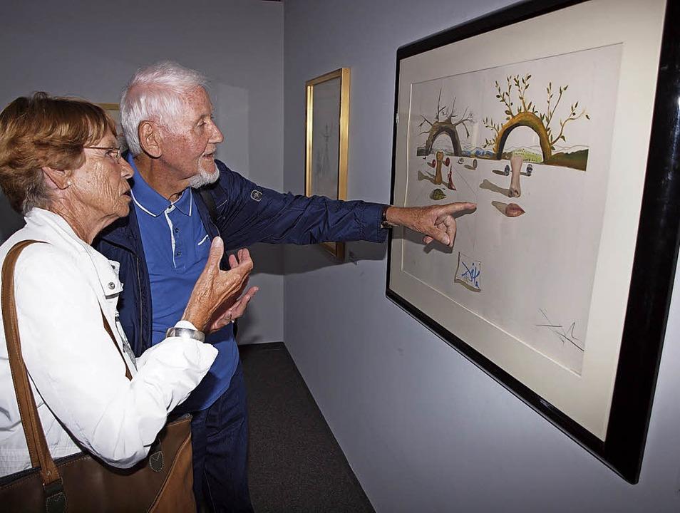 Besucher in der Dalí-Ausstellung   | Foto: Michael Haberer