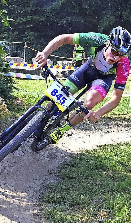 Der Breitnauer Mountainbiker Simon Gut...belegte in einem Cuprennen Rang zehn.   | Foto: Privat