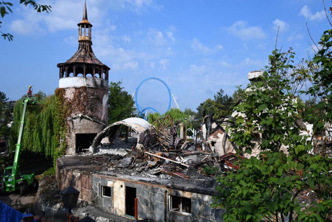 Die Attraktion nach dem Brand.    Foto: dpa