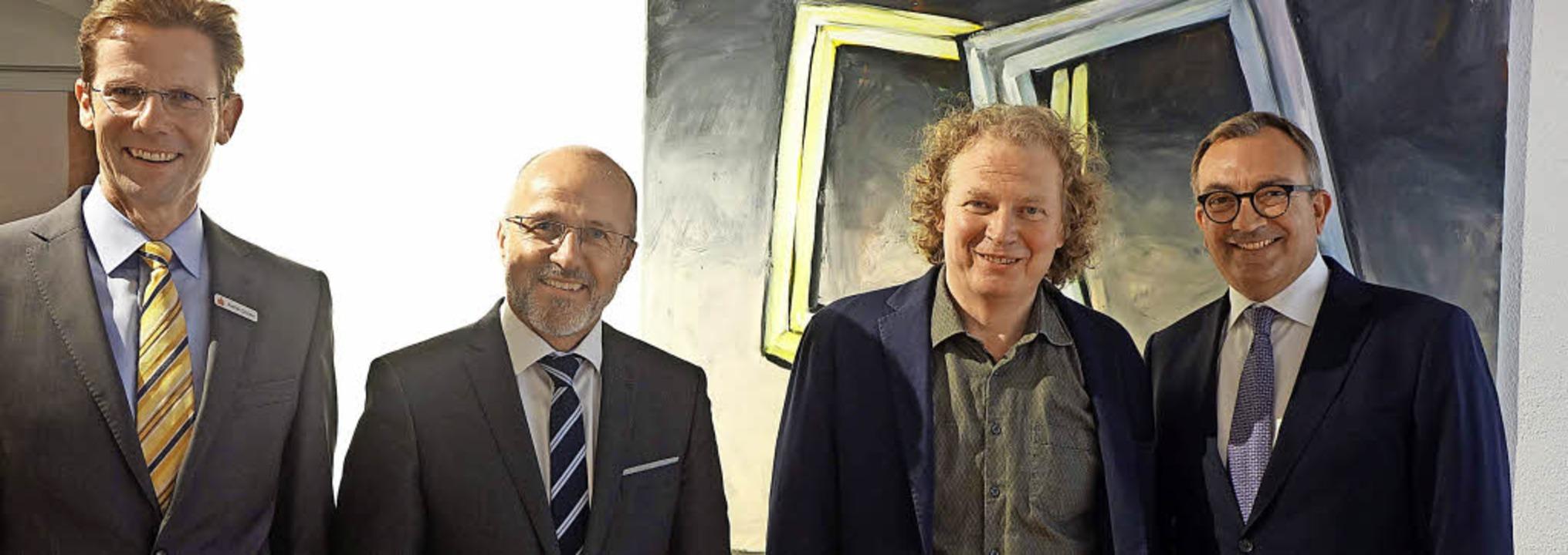 Kunstpreisträger Peter Bosshart (Zweit...Preisträgerausstellung im Stapflehus.   | Foto: Roswitha Frey