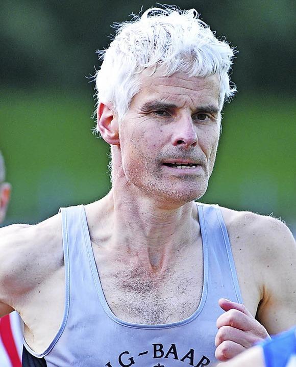 Bertold Wörner lief  taktisch klug und wurde  Landesmeister über 1500 Meter.  | Foto: heiler