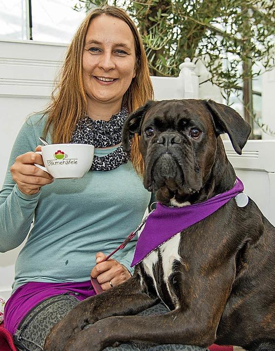 Alexandra Siegmund mit ihrem Schulhund Otto   | Foto: Olaf Michel