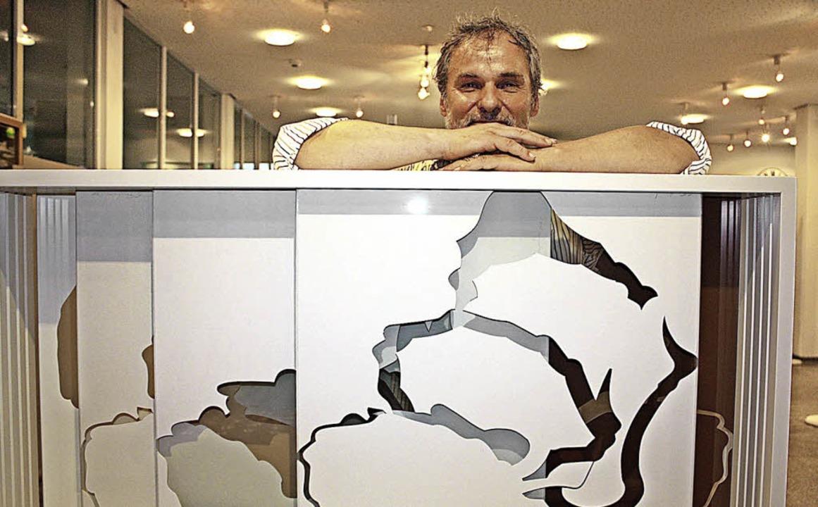 Eberhard Freudenreich mit seinem Werk  | Foto: Gabriele Fässler