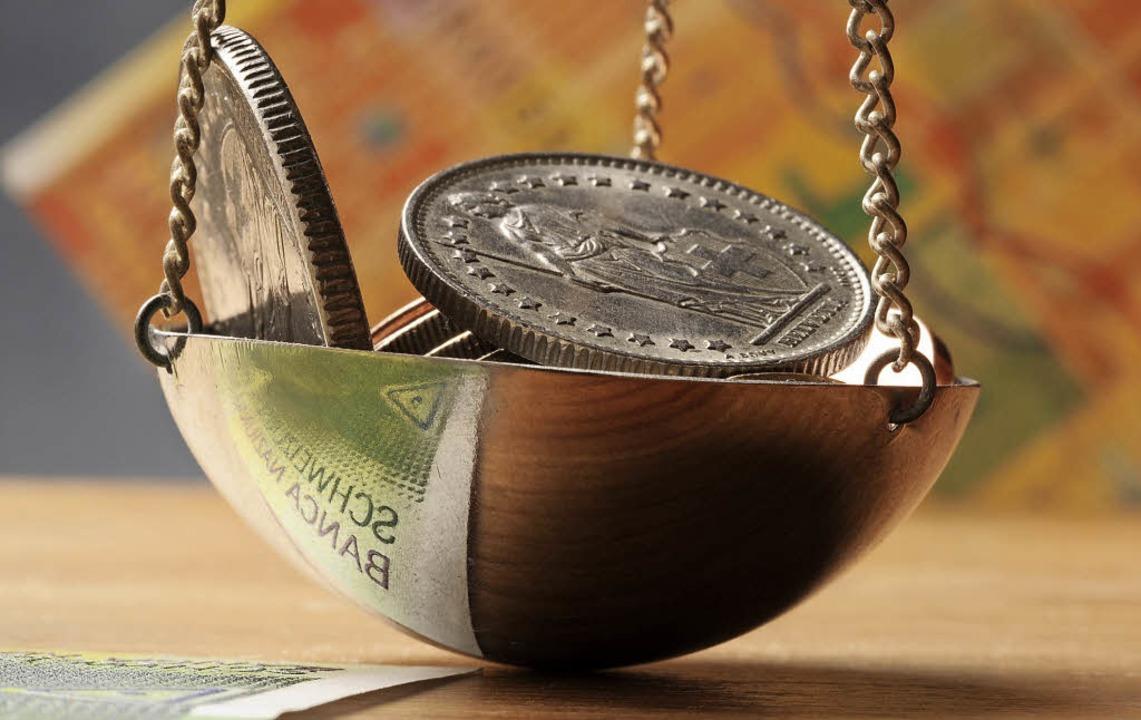 Beim Vollgeld-System dürfen Privatbank...dite vergeben, wie sie Geld besitzen.   | Foto: Stock.Adobe