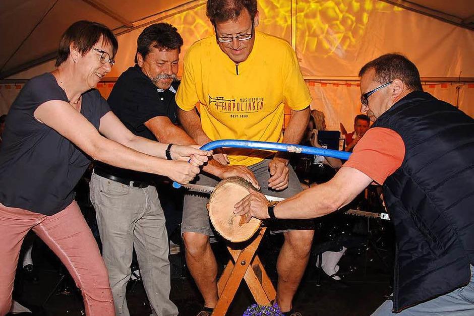 Zum 125-jährigen Bestehen des Harpolinger Musikvereins gab es beim großen Fest ein buntes Programm für die Besucher. (Foto: Hans-Walter Mark)