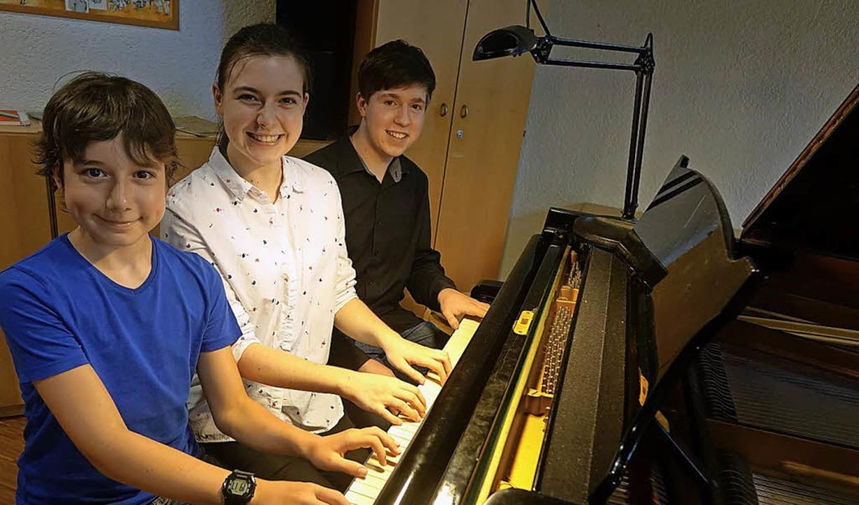 Die Geschwister Dominik, Elisabeth und...tage der Musikschule Rheinfelden mit.   | Foto: Roswitha Frey