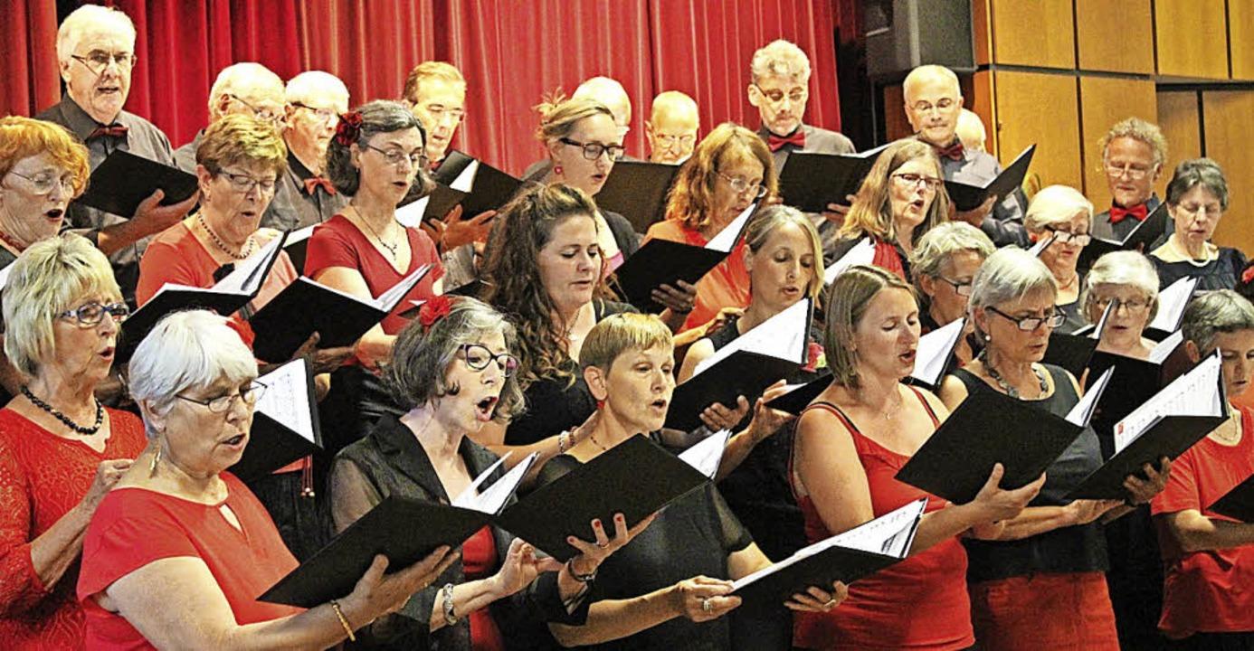 Der Gesangverein fühlt sich wohl in internationalen Musicals.   | Foto: bertsch