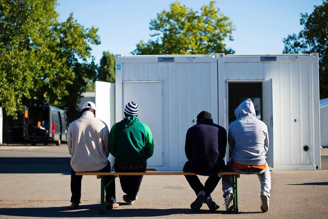 Pro Familia will nun Flüchtlingen mit ... mit Frauen näherbringen. (Symbolbild)  | Foto: dpa