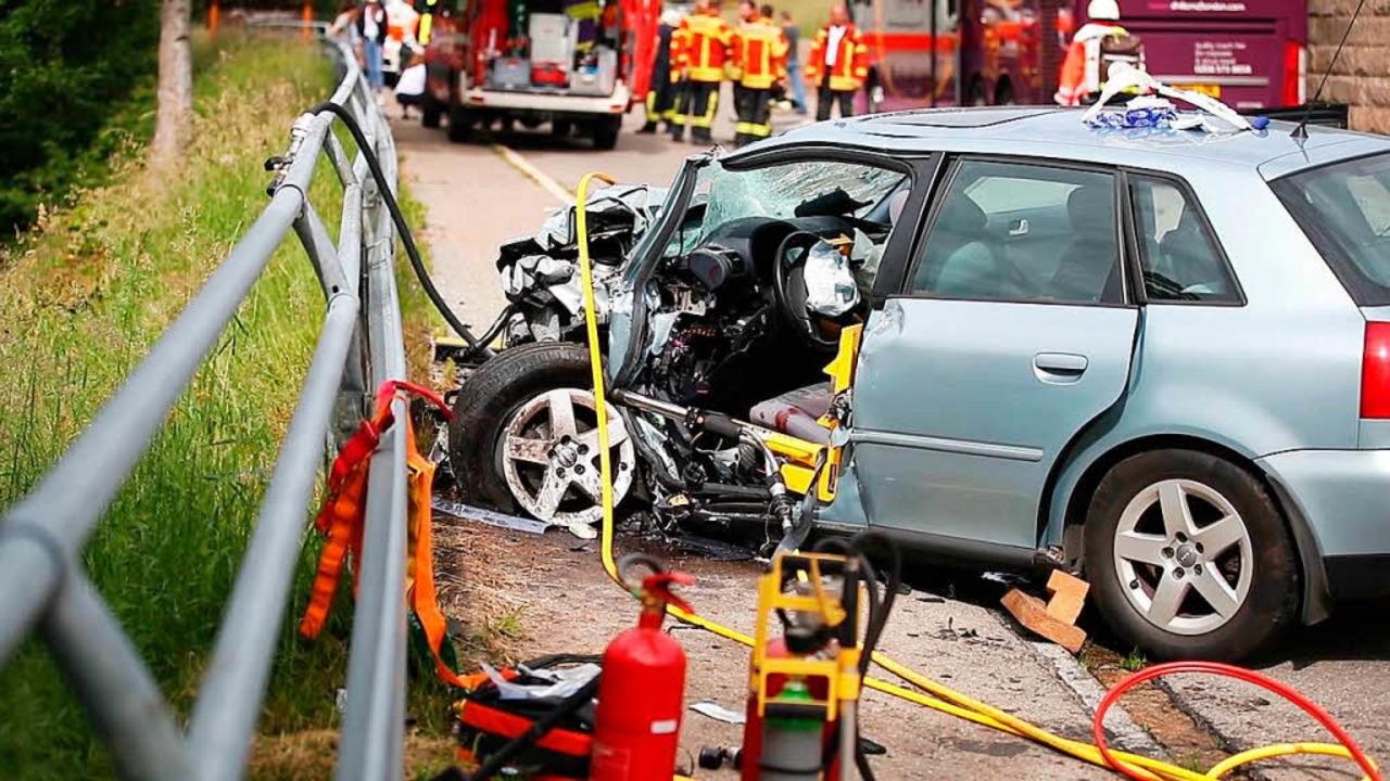 Der 90-jährige Audi-Fahrer wurde schwerstens verletzt.  | Foto: kamera24