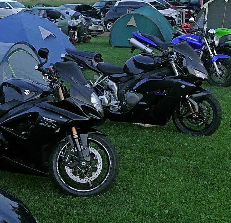 Parade der  Motorräder     Foto: Verein