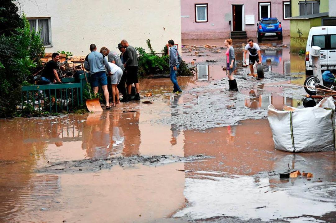Hochwasser auch in Lorch  | Foto: dpa