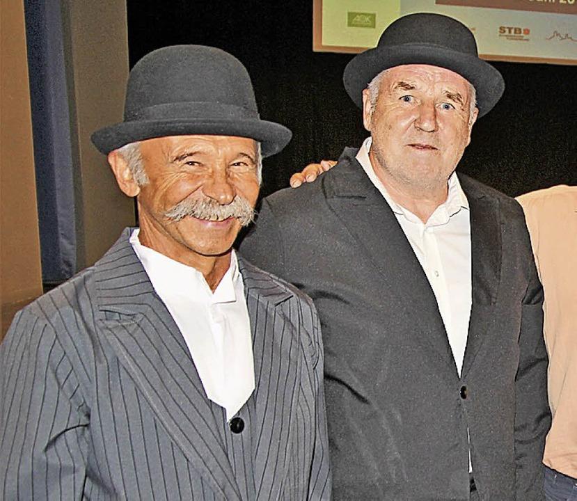 Spaß muss sein: Georg Dieterle (links)...e Slapstick-Einlage als Dick und Doof.  | Foto: Dagobert Maier