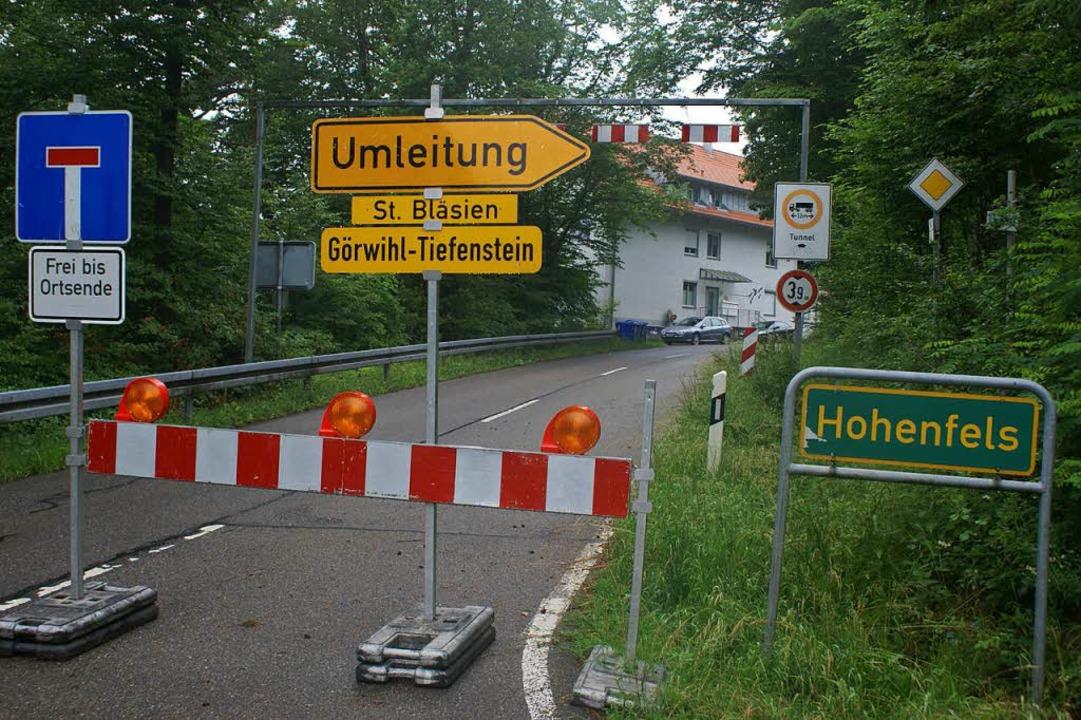 Seit drei Jahren gesperrt: die L 154 zwischen Hohenfels und Tiefensteiner Brücke  | Foto: Michael Krug