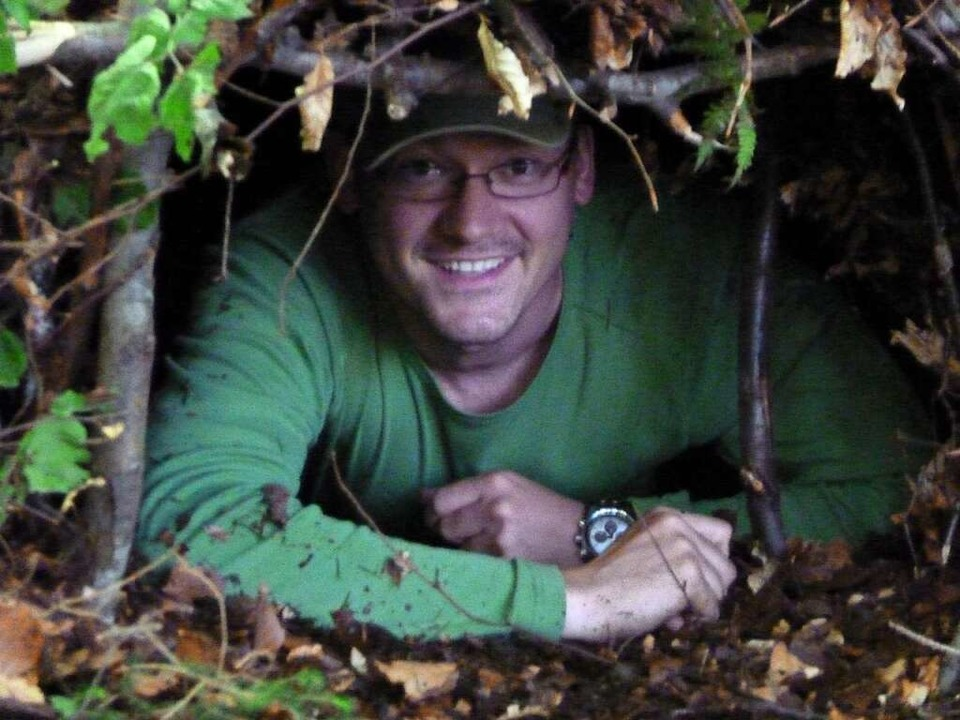 Wie baut man sich in der Wildnis einen...Häg-Ehrsberg bietet Überlebenskurse n.  | Foto: Privat