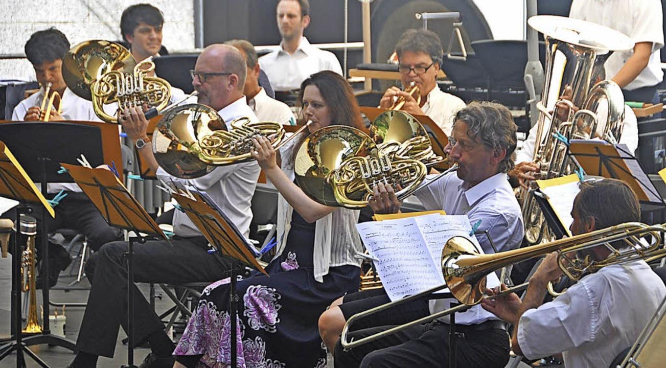 Die Blechbläser des Sinfonieorchesters...weise ohne jede Zurückhaltung spielen.  | Foto: Daniel Gramespacher