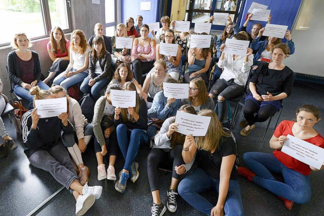 Sitzblockade in der Pädagogischen Hochschule  | Foto: Ingo Schneider
