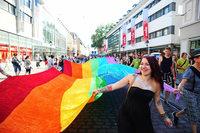 Deutliche Mehrheit des Freiburger Gemeinderats will Parade durch die Innenstadt