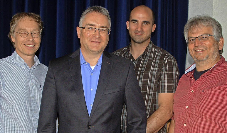 Hartmut Krepp, Martin Völkle, Willi Ma...(von links) bilden das Vorstandsteam.   | Foto: Petra Wunderle
