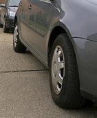 Stadt greift beim Gehwegparken härter durch