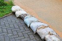 Bürgermeister fordert Einwohner zum Kauf von Sandsäcken auf