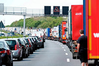 Keine Rettungsgasse gebildet: Bußgeldbescheide für 576 Autofahrer