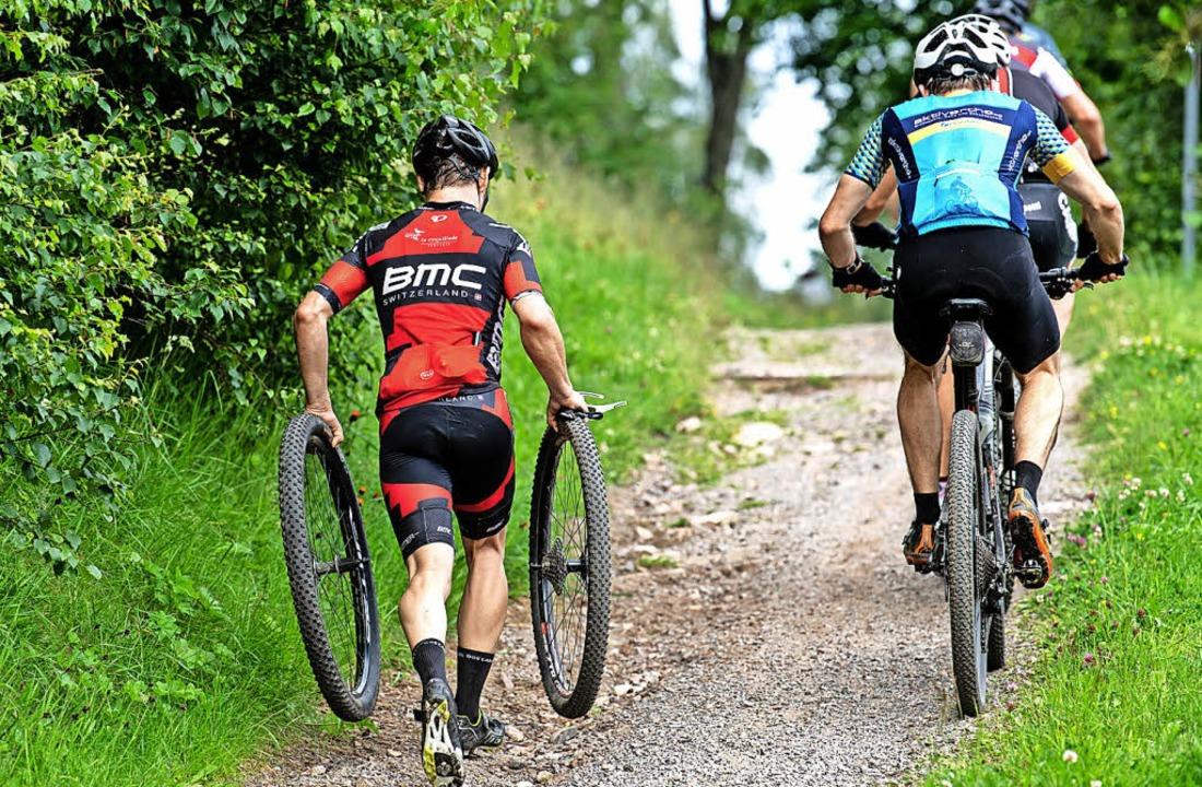 Laufrad-Träger: Ohne Rahmen zwischen den Pneus hilft nur rennen.  | Foto: Patrick Seeger