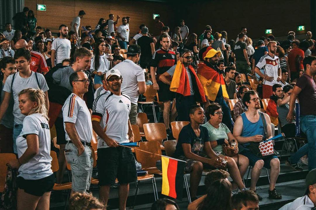 So war's beim Public Viewing in der Sick-Arena.  | Foto: Elham Hoxhalli
