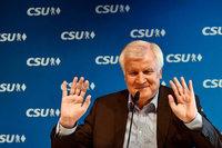 """Seehofer sieht Union """"noch längst nicht überm Berg"""""""