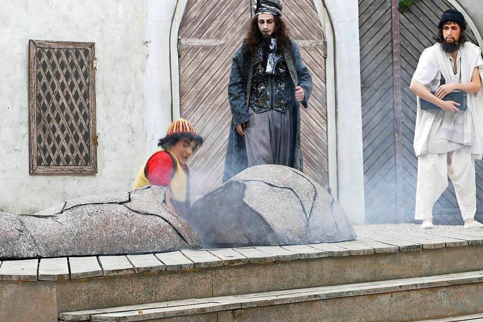 Szenen aus dem Stück Aladin und die Wunderlampe (Foto: Frank Kreutner)