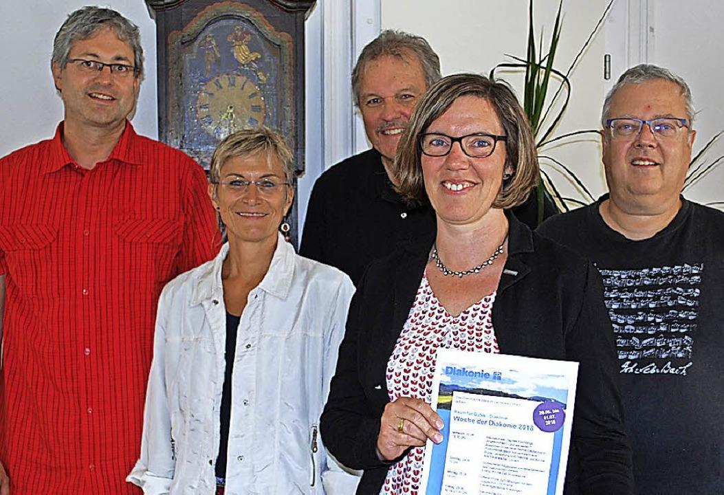 Jörg Hinderer, Dekanin Bärbel Schäfer,... und Martin Schmitthenner (von links)   | Foto: Mink