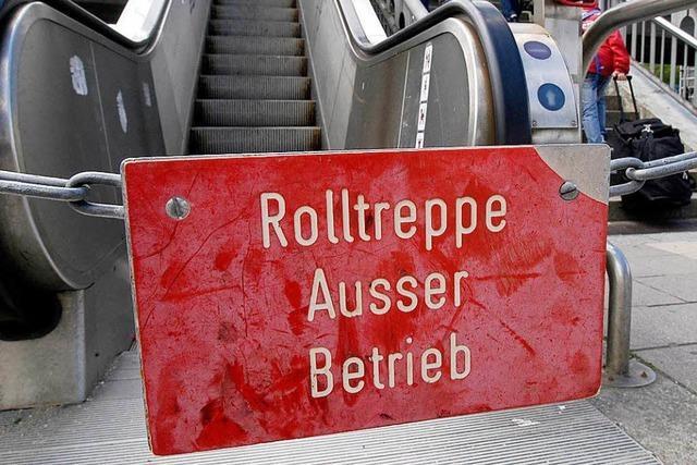 Am Freiburger Hauptbahnhof ist wieder eine Rolltreppe defekt