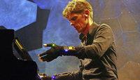 Jazzpianist Ralf Schmid macht im Humboldtsaal Klänge sichtbar
