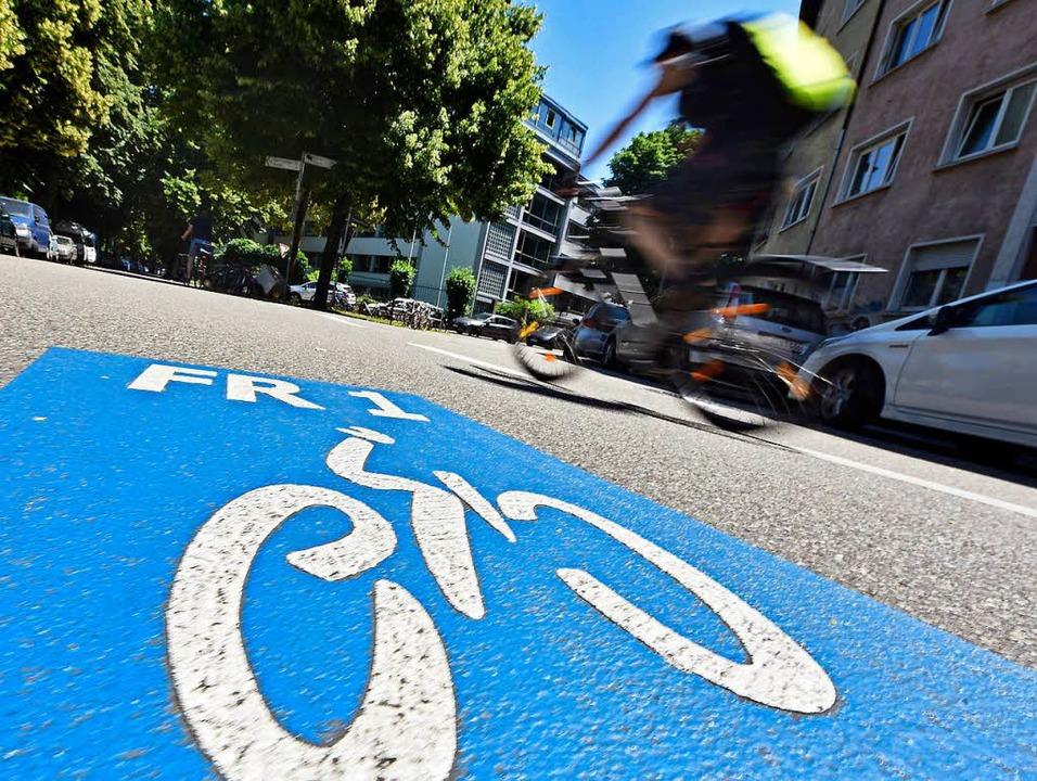 Vorfahrt für Radler: Spezielle Strecke...len Freiburg mit dem Umland verbinden.  | Foto: Michael Bamberger