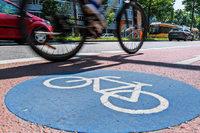 71-jähriger Radfahrer verletzt sich schwer nach Sturz bei Uniklinik