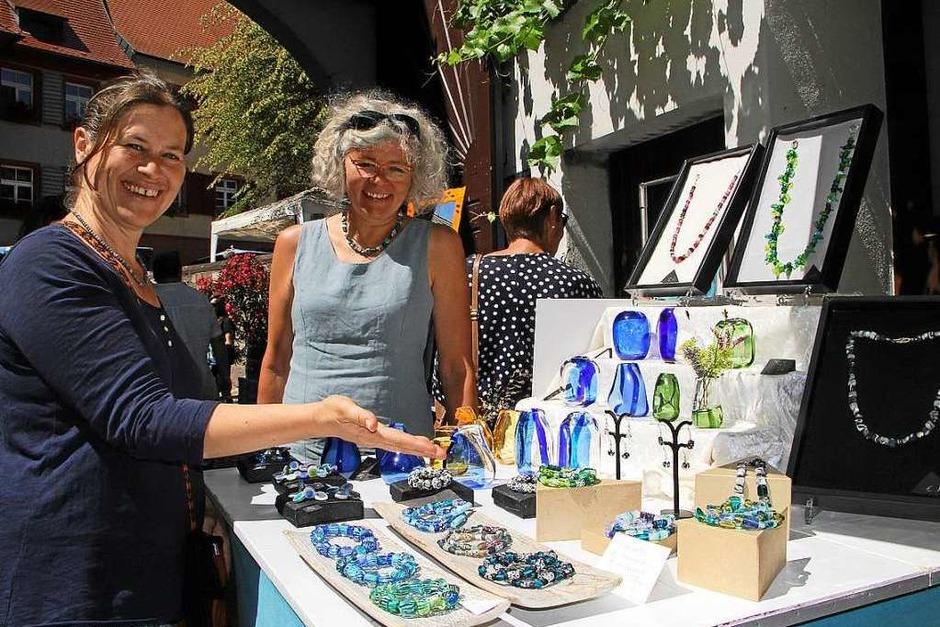 Impressionen von den Kunst-Markt-Genuss-Tagen in Burkheim (Foto: Herbert Trogus)