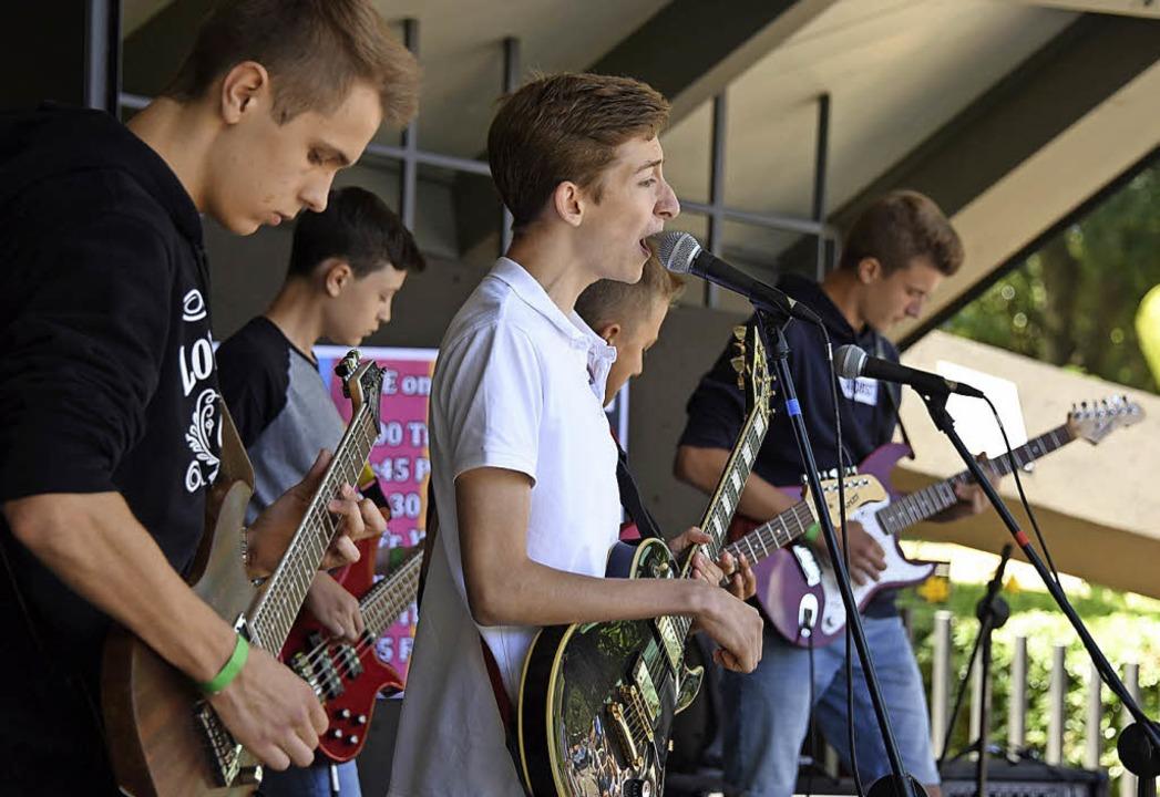 Die Band Trostpreis beim Auftritt am Samstag  im Pavillon  | Foto: Rita Eggstein