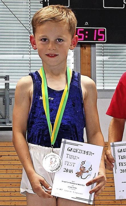 Sieger in der Altersklasse M 8: Jonas Höfler vom TuS Rötenbach  | Foto: Dagobert Maier