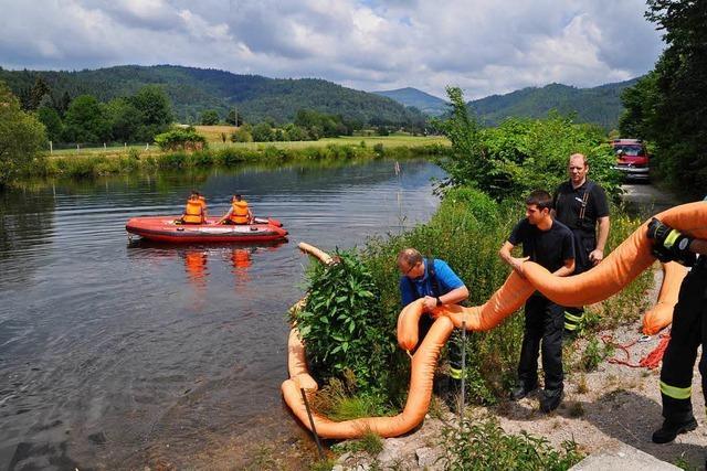 Feuerwehr muss bei Hausen 160 Liter Öl einfangen