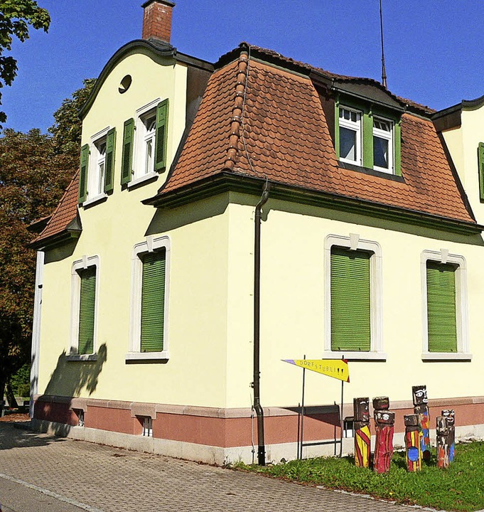 Das Dorfstübli steht seit drei Monaten... Konzeption der Einrichtung  gefeilt.     Foto: Hermann Jacob