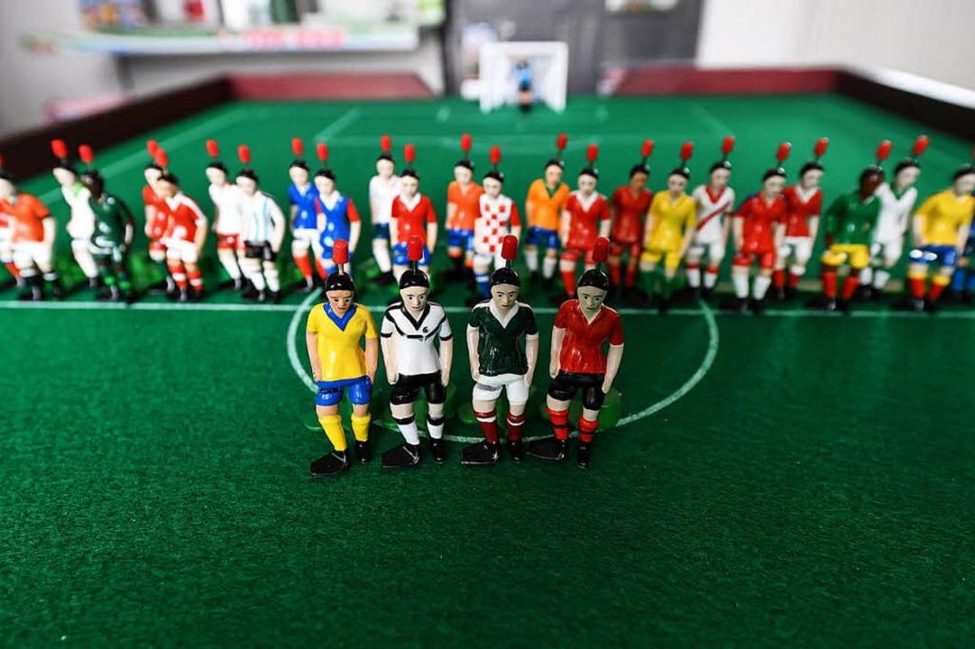 Tipp-Kick-Figuren in den aktuellen Fuß...ick-Figuren der restlichen WM-Gruppen.  | Foto: dpa