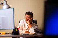 Wie Arbeitnehmer mit Überstunden umgehen sollten