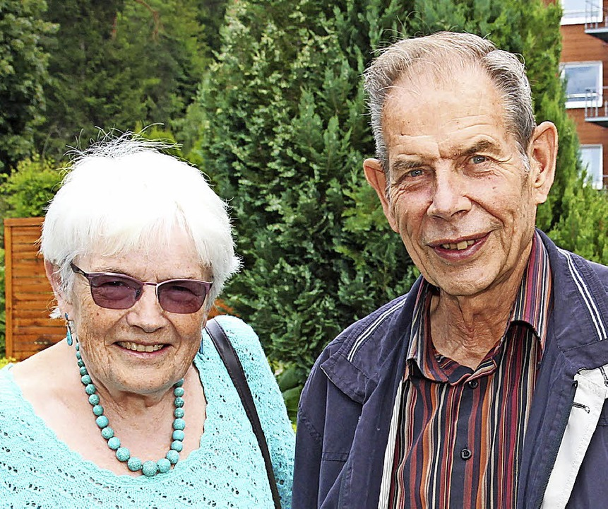 Sie stehen für den Förderverein Senior...n links): Anita und Karl-Heinz Siemes.    Foto: Eva Korinth