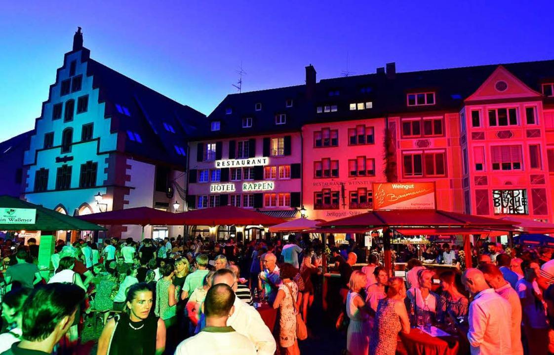 Bis zu 100.000 Besucher kommen in gute...reiburger Weinfest rund um das Münster  | Foto: Thomas Kunz