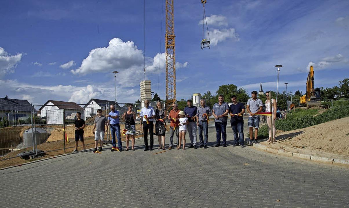 Offiziell der Öffentlichkeit übergeben...Holzweg III in Ballrechten-Dottingen.   | Foto: volker MÜnch