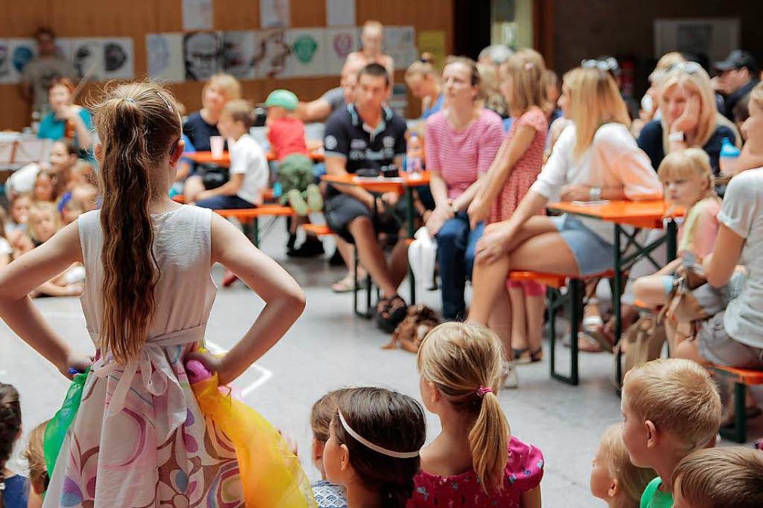 Musikschule zum Zuschauen und Verweilen.    Foto: Anna Uhlmann