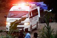 Mehrere Jungen sind gerettet, doch das Bangen geht weiter