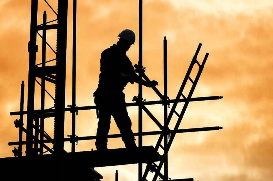 Wer soll die neuen Wohnungen im Gebiet Stühlinger-West bauen?  | Foto: Stock.adobe.com
