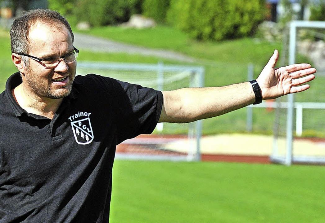 Zeljko Cosic ist Fußballtrainer des A-...nzkirch und Kroate mit Leib und Seele.  | Foto: wolfgang scheu