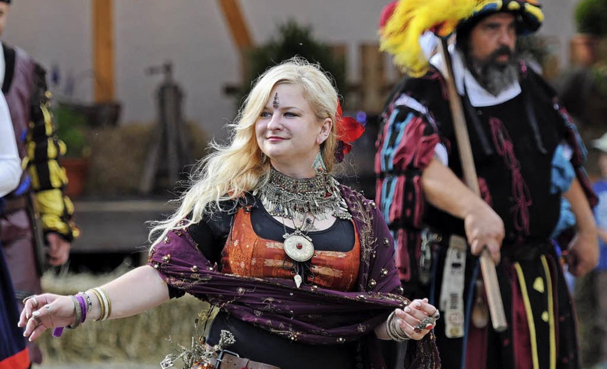 Das bunte, mittelalterliche Fest in Re...ngen ist ein voller Erfolg geworden.    | Foto: Philippe Thines